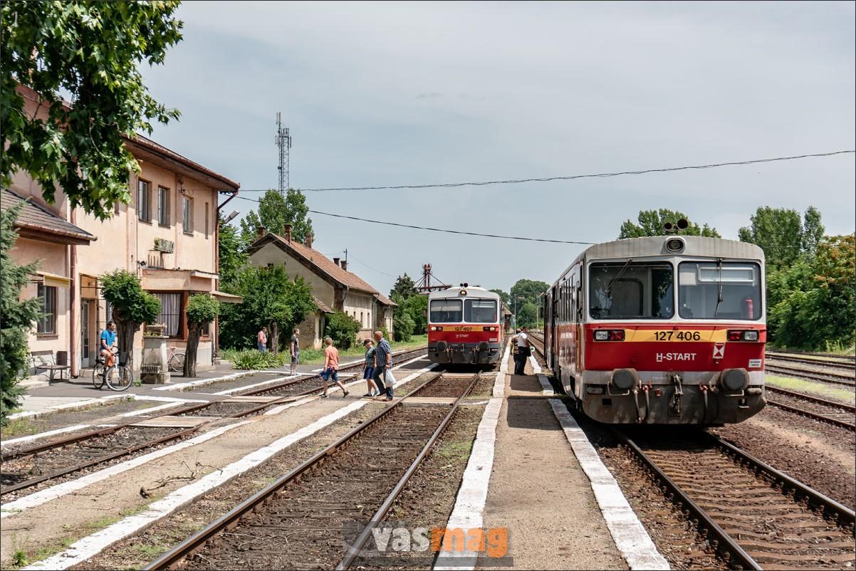 Az egykori nagyváradi fővonalon, Békéscsaba és Kötegyán között naponta tizenöt vonatpár közlekedik, nagyjából órás ütemben. Ez egészen jónak mondható, különösen hogy a hagyományos Bézék mellett komfortosabb InterPiciken is utazhatunk.